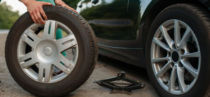 How to manage and solve the car tyre puncture situations?